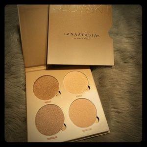 NIB Anastasia Beverly Hills Sun Dipped Glow Kit